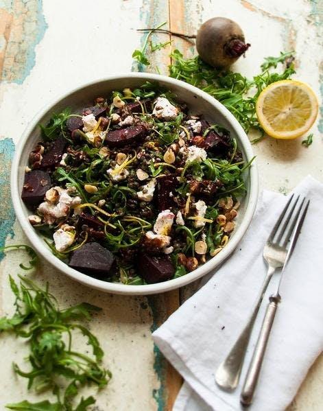 Salade d'automne lentilles betterave noisette et chèvre